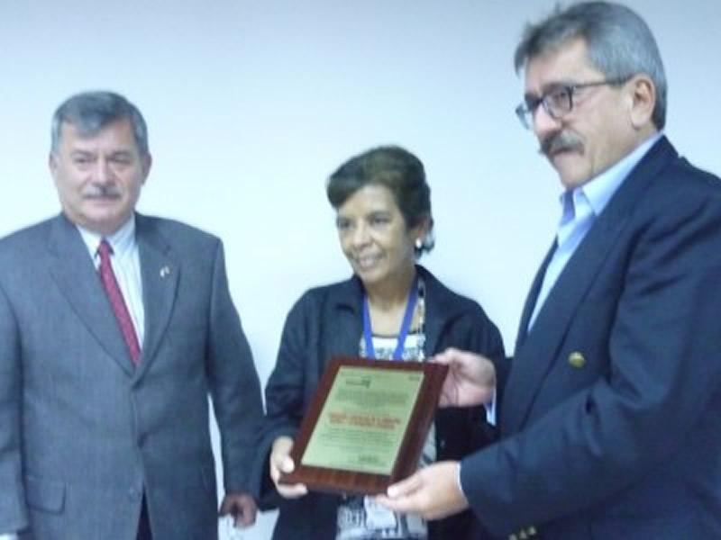 RESQUIMC entregó reconocimiento a ASOQUIM en el marco de la celebración de su séptimo aniversario