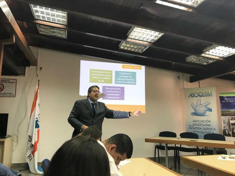 Leonardo PalaciosyJuan Korodyconversaron sobre el contenido e impacto de las medidas económicas con énfasis en la materia tributaria